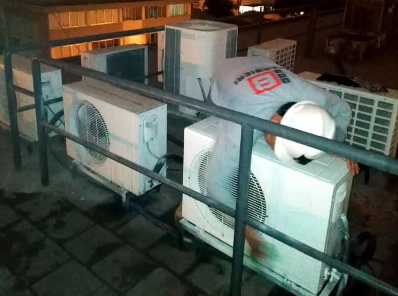 Revisión de equipo de aire acondicionado
